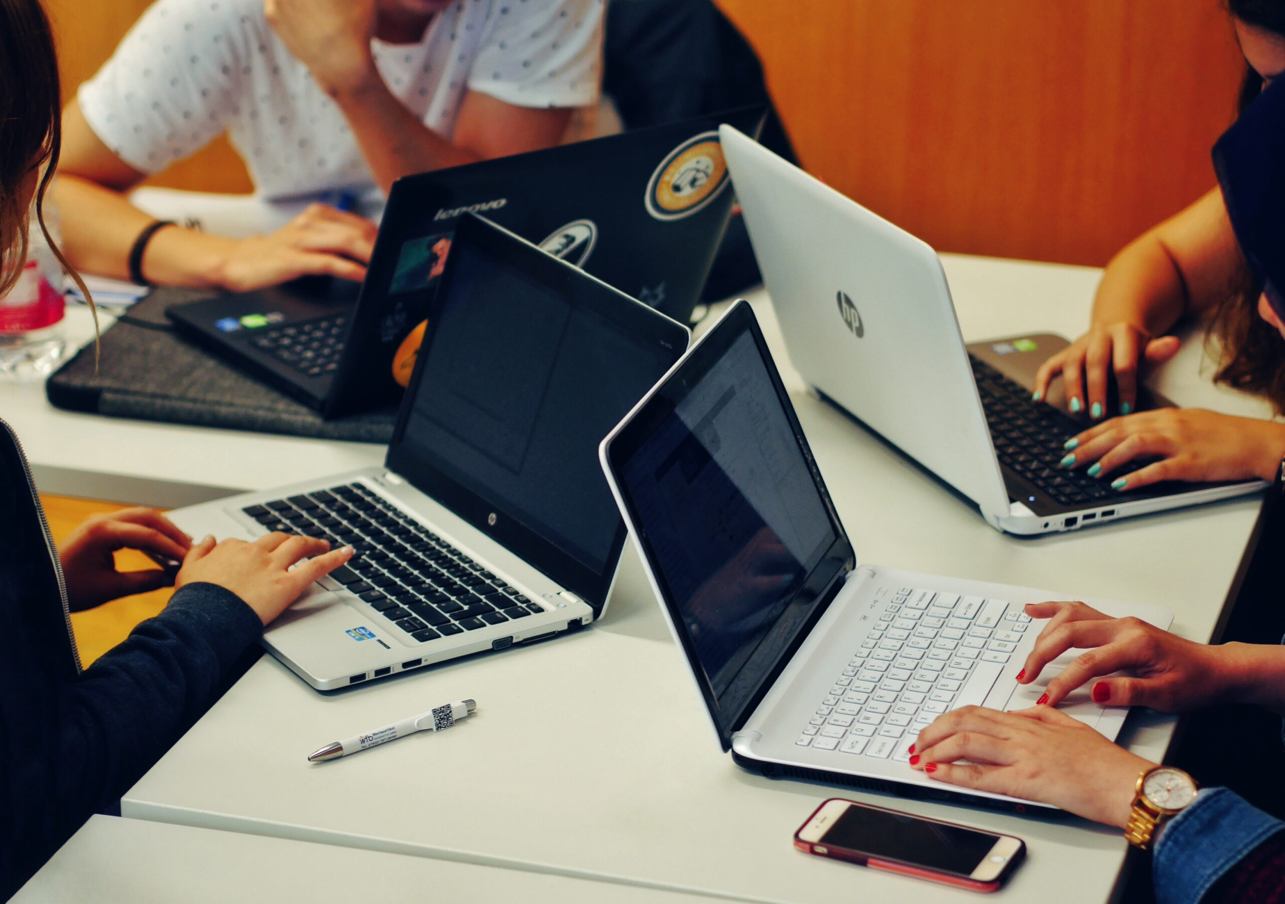 How to Organize a Successful Campus Hackathon?